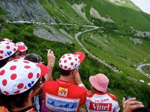 toeschouvwers op de Col de la Madeleine